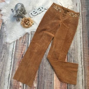 WILSON LEATHER size 2 FLORAL EMBROIDERY BOHO PANTS